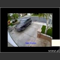 Jak parkują kobiety...
