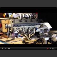 Najmniejszy na świecie silnik v8